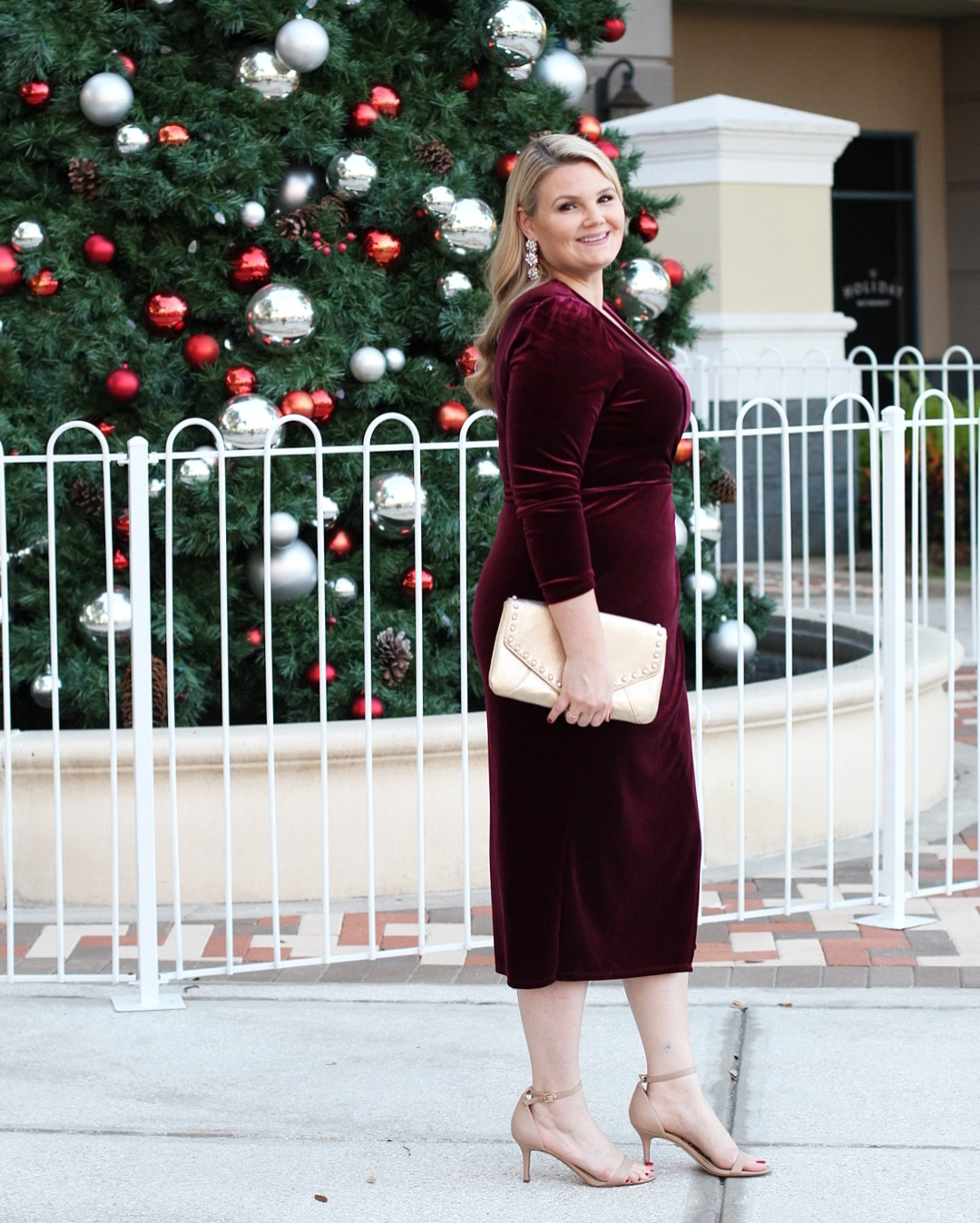 1.State outfits featured by top Orlando fashion blog, Fabulously Overdressed: image of a woman wearing a 1.State wrap dress
