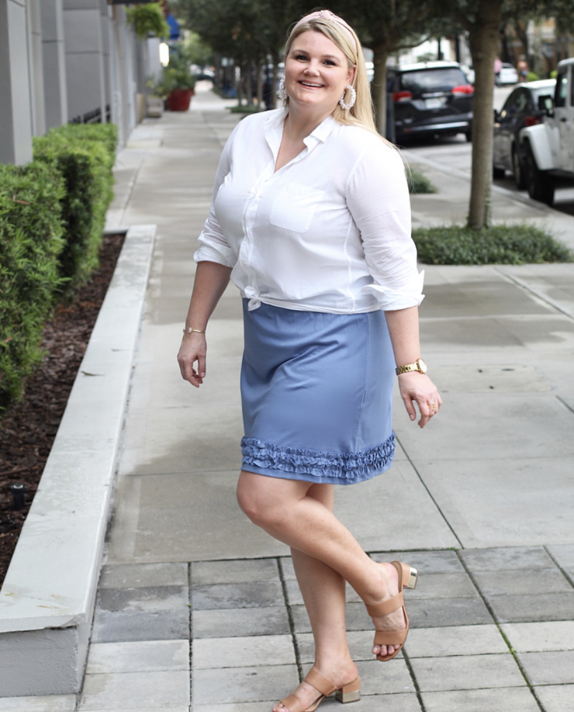 Blogger Emily of Fabulously Overdressed wears the Audrey Skirt from Navy Jane.
